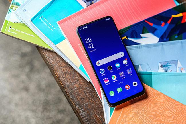 K3 sở hữu màn hình kích thước 6,5 inch, độ phân giải Full HD