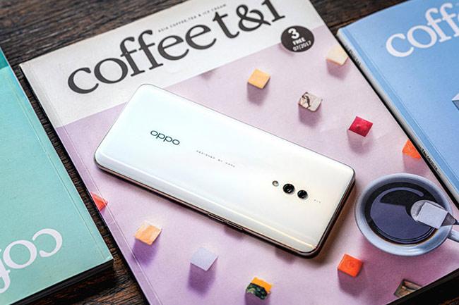 Oppo K3 trang bị giao diện người dùng ColorOS 6, được phát triển dựa trên Android 9 Pie, với các bản cập nhật bảo mật mới.