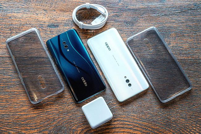 sản phẩm được trang bị pin dung lượng 3.765 mAh, tích hợp sạc nhanh VOOC 3.0 độc quyền của Oppo và sạc thông qua cổng kết nối USB Type-C