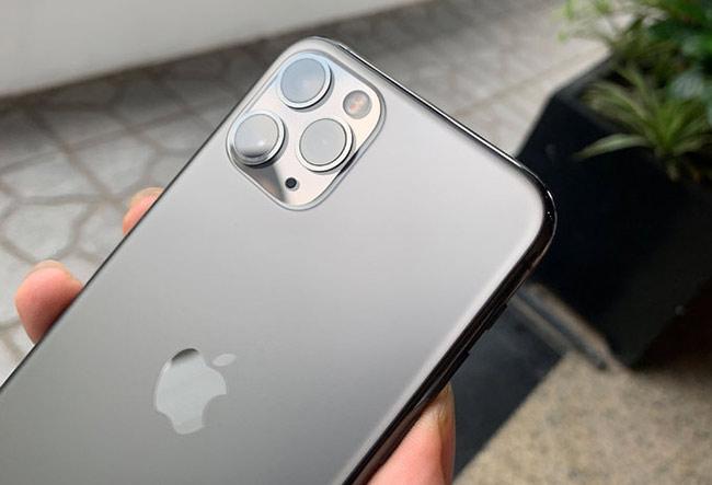 Khác với iPhone 11, bản Pro và Pro Max có thêm camera chuyên chụp chân dung tele 2x