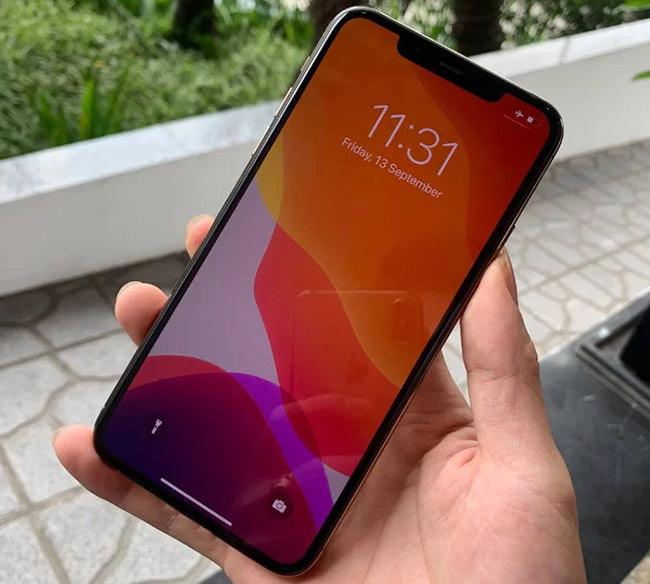 Có kích thước lớn nhất trong số ba model là iPhone 11 Pro Max, tương đương iPhone XS Max màn hình 6,5 inch