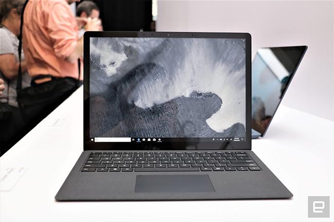 Microsoft sắp ra laptop trông giống MacBook Pro
