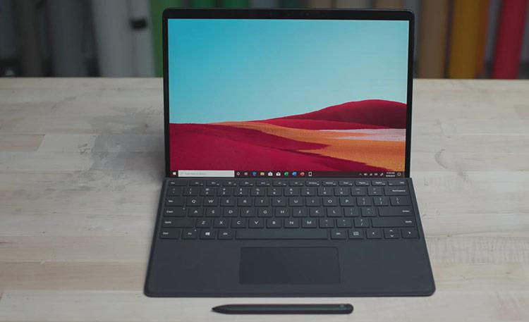 """Surface Pro X thể hiện tầm nhìn của Microsoft cho những """"người dùng di động"""" thế hệ mới. Ảnh: The Verge."""