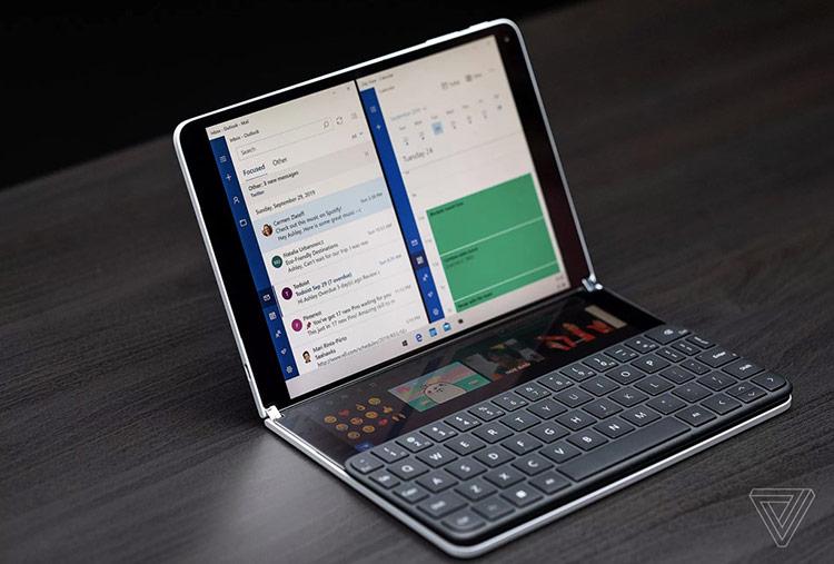 Trong khi đó, Surface Neo là sản phẩm hướng tới tương lai hơn, đồng thời thể hiện sự kiên định của Microsoft với tầm nhìn về laptop hai màn hình. Ảnh: The Verge.