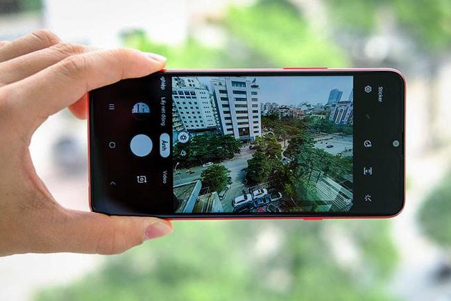 Camera trên Galaxy A20s mang giao diện đơn giản, tập trung vào các tính năng cơ bản