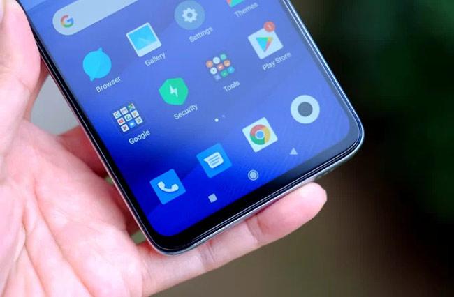 Máy có màn hình cỡ lớn 6,53 inch, tương đương iPhone 11 Pro Max, tấm nền IPS, độ phân giải 2.340 x 1.080 pixel