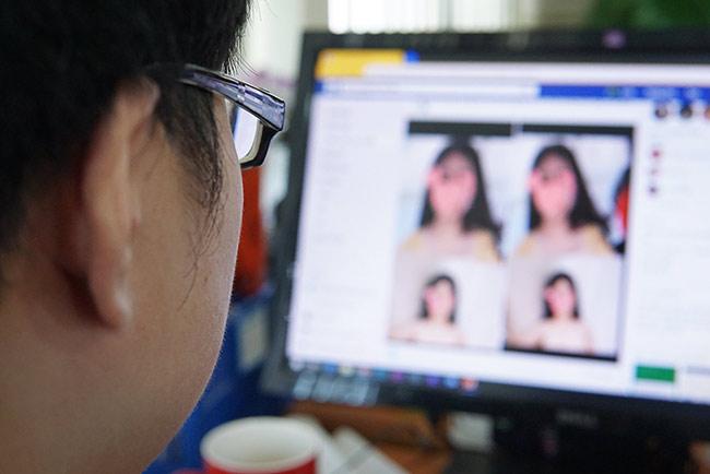 Dùng ảnh 'nóng' để chiếm tài khoản Facebook
