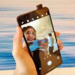Motorola One Hyper với camera selfie 32 MP bật lên, pin lớn, giá 400 USD