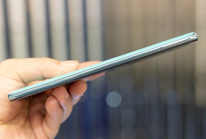 Galaxy A51 chạy Android 9, được cài sẵn giao diện Samsung Experience 9.5 đơn giản và thân thiện với người dùng.