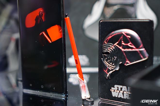 [CES 2020] Cận cảnh Galaxy Note10+ phiên bản đặc biệt dành riêng cho fan Star Wars - Ảnh 5.
