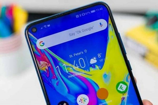 Màn hình đục lỗ sẽ trở thành xu hướng trên điện thoại Android 2020