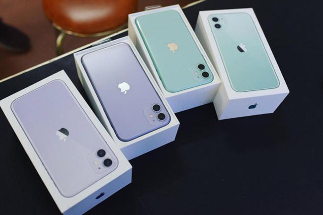 Theo chia sẻ từ nhiều cửa hàng, iPhone 11 là model bán chạy nhất trong bộ 3 di động của Apple ra mắt năm 2019