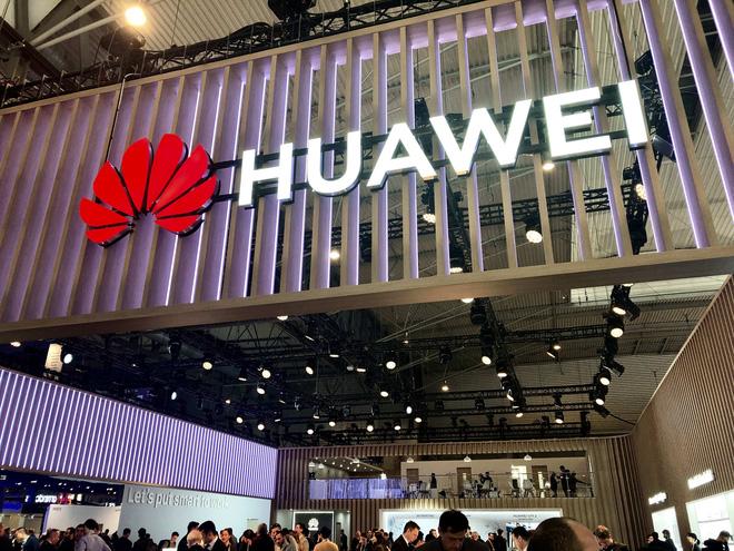 2020 sẽ tiếp tục là một năm sóng gió đối với mảng smartphone của Huawei - Ảnh 1.