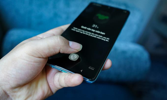 Galaxy A71 được tích hợp Snapdragon 730 của Qualcomm, RAM 8 GB, bộ nhớ 128 GB