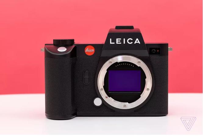 Máy ảnh Leica SL2: màn hình cảm ứng, độ phân giải cao, giá 6.000 USD