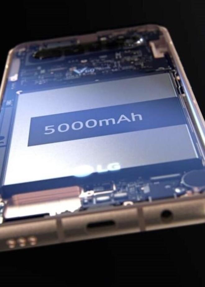 LG V60 ThinQ lộ diện: Thiết kế nhàm chán, 4 camera sau, pin 5.000mAh, có jack 3.5mm - Ảnh 2.