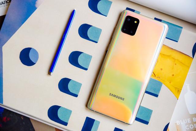 Galaxy Note 10 Lite làm bức tường thành của Samsung trở nên vững chắc hơn trước mọi đối thủ - Ảnh 3.