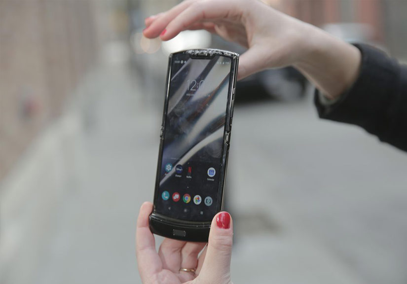 Thử nghiệm thả rơi Galaxy Z Flip và Motorola Razr: Đâu là chiếc smartphone mong manh nhất?
