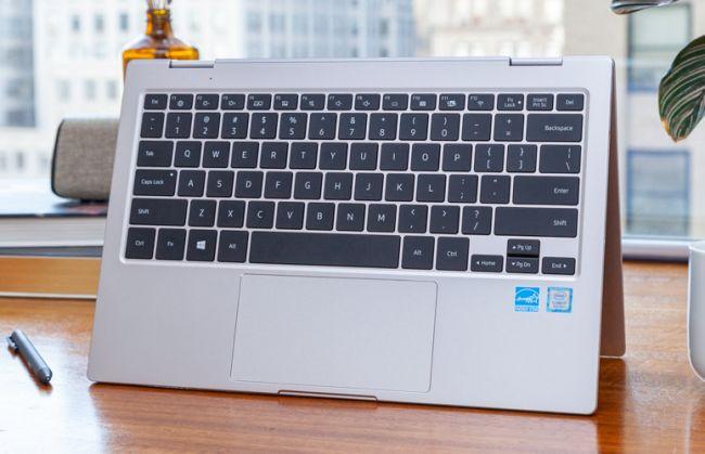 Các phím của Samsung Notebook 9 Pro có độ nảy tốt