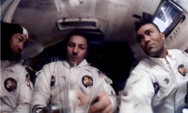 Anh chàng này tái hiện những bức ảnh trên tàu Apollo 13 với độ nét cực cao chỉ bằng cách chồng ảnh lên nhau - Ảnh 5.