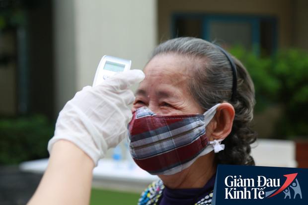 Ảnh: Xuất hiện cây gạo nhận diện bằng khuôn mặt ở Hà Nội, ai đến lấy 2 lần trong ngày bị từ chối ngay - Ảnh 8.