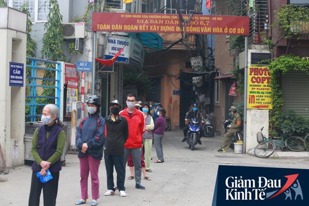 Ảnh: Xuất hiện cây gạo nhận diện bằng khuôn mặt ở Hà Nội, ai đến lấy 2 lần trong ngày bị từ chối ngay - Ảnh 13.