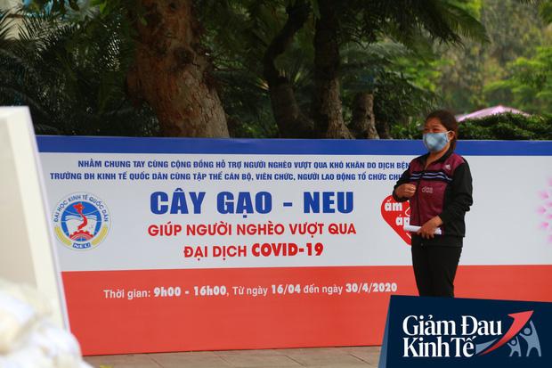 Ảnh: Xuất hiện cây gạo nhận diện bằng khuôn mặt ở Hà Nội, ai đến lấy 2 lần trong ngày bị từ chối ngay - Ảnh 15.