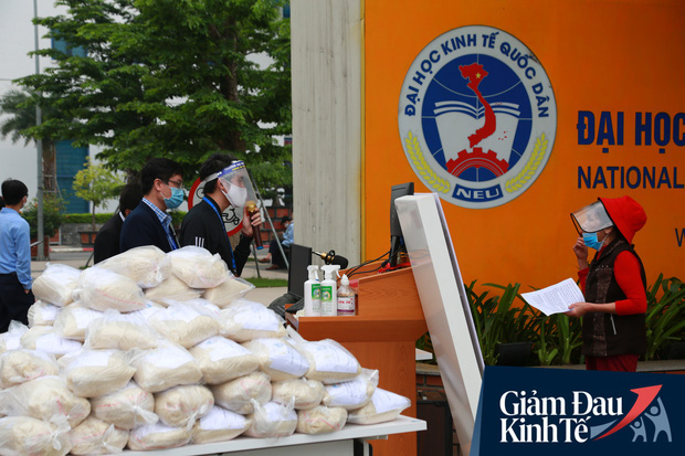 Ảnh: Xuất hiện cây gạo nhận diện bằng khuôn mặt ở Hà Nội, ai đến lấy 2 lần trong ngày bị từ chối ngay - Ảnh 5.