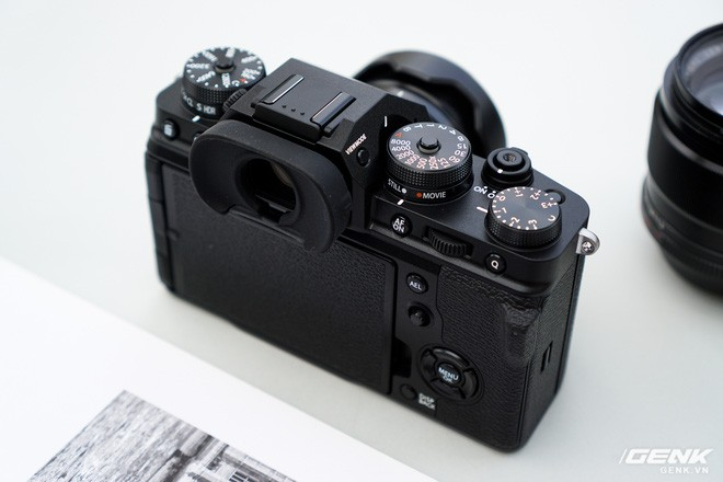 Cận cảnh Fujifilm X-T4: Màn trập mới, nặng hơn đời trước, đã có chống rung 5 trục IBIS, màn hình xoay lật đa hướng, giá gần 41 triệu đồng - Ảnh 8.