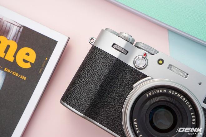 Cận cảnh Fujifilm X100V: Cảm biến 26.1MP X-Trans BSI CMOS thế hệ 4, ống kính 23mm f/2.0 mới, màn hình đã có thể xoay lật 2 hướng - Ảnh 10.