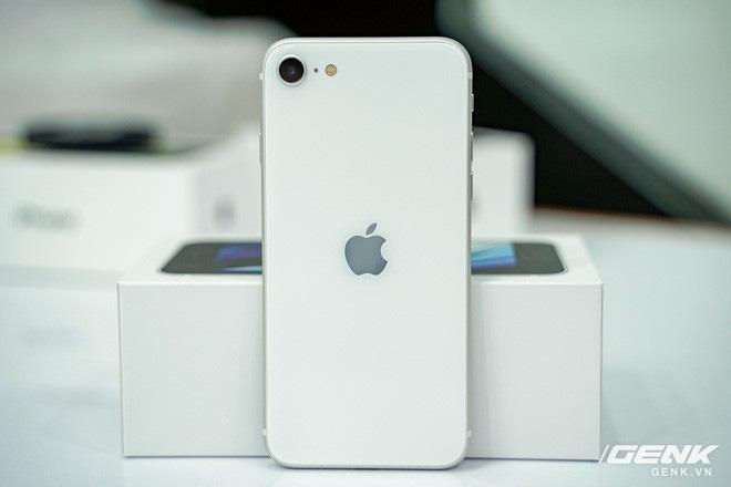 thiết kế giống iPhone 8, giá từ 12.7 triệu đồng - Ảnh 13.