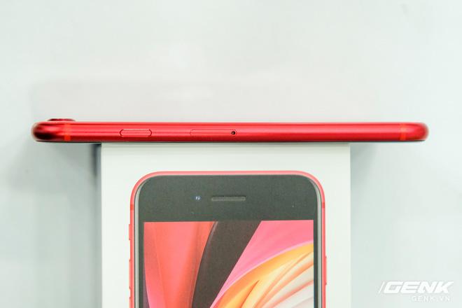 Thiết kế giống iPhone 8, giá từ 12.7 triệu đồng - Ảnh 4.
