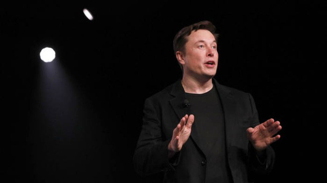 Elon Musk phản pháo cáo buộc chưa chuyển máy thở cho bệnh viện, tag cả thống đốc bang trên Twitter để hỏi rõ sự việc - Ảnh 1.