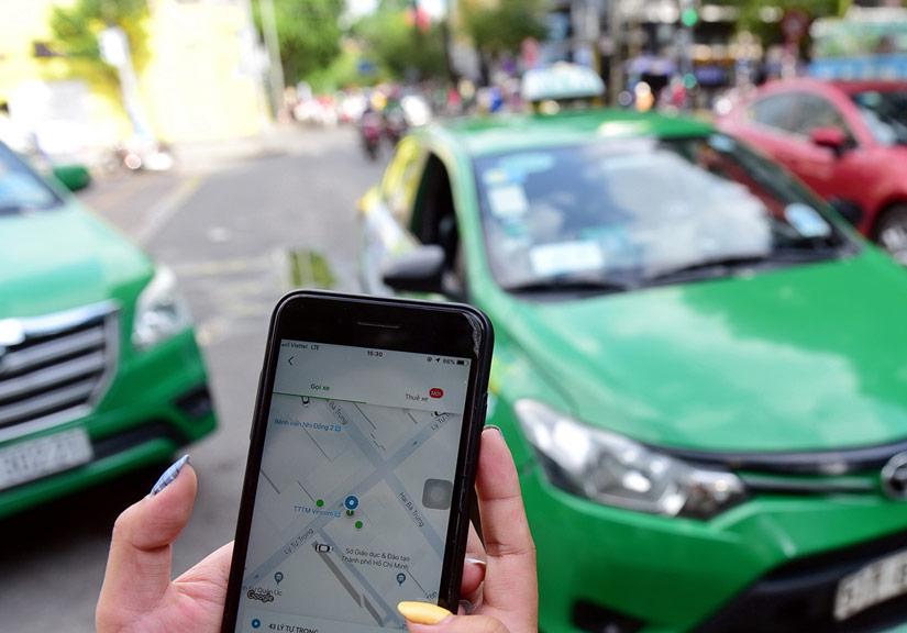 """Hơn 20.000 taxi công nghệ ở Hà Nội xin """"hoãn"""" thực hiện vì dịch Covid-19"""