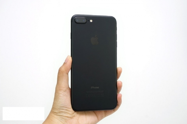 iPhone 7 Plus giảm giá chưa từng có, chất lượng có đáng lo ngại?