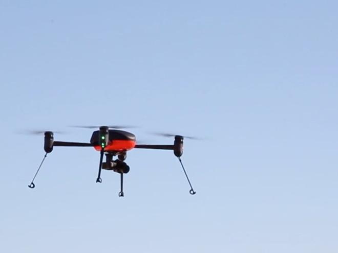 Máy bay không người lái truy tìm người nghi ngờ mắc COVID-19 - Ảnh 10.