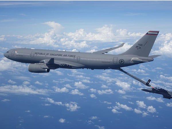 Airbus vượt mặt Boeing, là hãng hàng không đầu tiên trên thế giới có thể bơm xăng tự động khi đang bay - Ảnh 5.