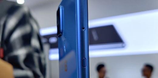 Bkav ra mắt 4 phiên bản Bphone mới không có nút bấm vật lý, giữ nguyên thiết kế không cằm, trán cao, giá từ 5,49 triệu - Ảnh 3.