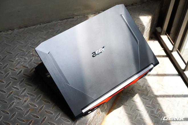 Cận cảnh Acer Nitro 5 phiên bản 2020: Thiết kế nét hơn, dùng Intel Core I thế hệ 10, lần đầu có bàn phím đèn nền RGB, giá từ 23,3 triệu đồng đồng - Ảnh 2.