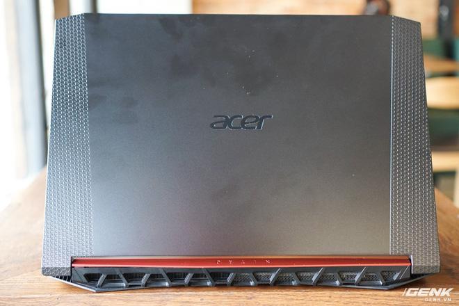 Cận cảnh Acer Nitro 5 phiên bản 2020: Thiết kế nét hơn, dùng Intel Core I thế hệ 10, lần đầu có bàn phím đèn nền RGB, giá từ 23,3 triệu đồng đồng - Ảnh 3.
