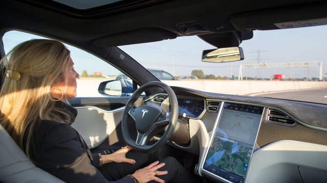 CEO Volkswagen thừa nhận Tesla vượt xa hơn bất kỳ ai về phần mềm và khả năng tự lái - Ảnh 2.