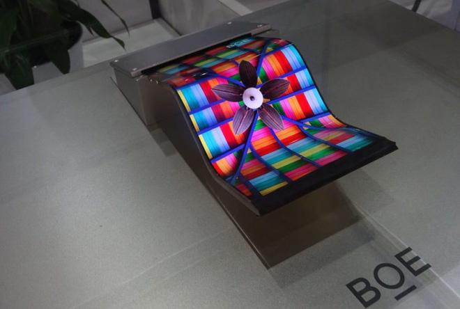 Đánh bại Samsung và LG ở lĩnh vực sản xuất LCD, các công ty Trung Quốc lăm le lấn sân luôn cả mảng OLED - Ảnh 2.