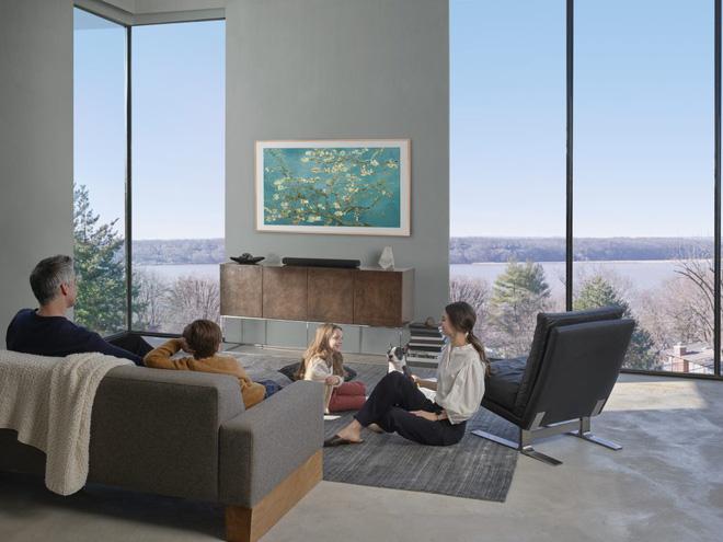 Đây là cách Samsung phá bỏ sự nhàm chán của thiết kế TV - Ảnh 1.
