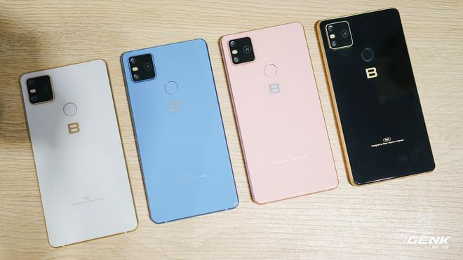 Mở hộp Bphone B86: Bên trong hộp smartphone cao cấp nhất của BKAV có gì? - Ảnh 10.