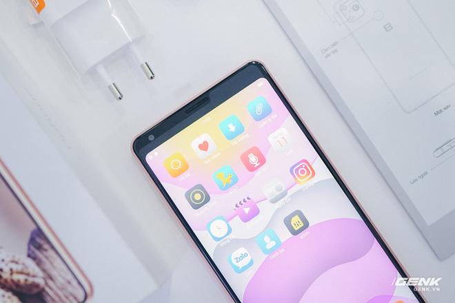 Mở hộp Bphone B86: Bên trong hộp smartphone cao cấp nhất của BKAV có gì? - Ảnh 13.