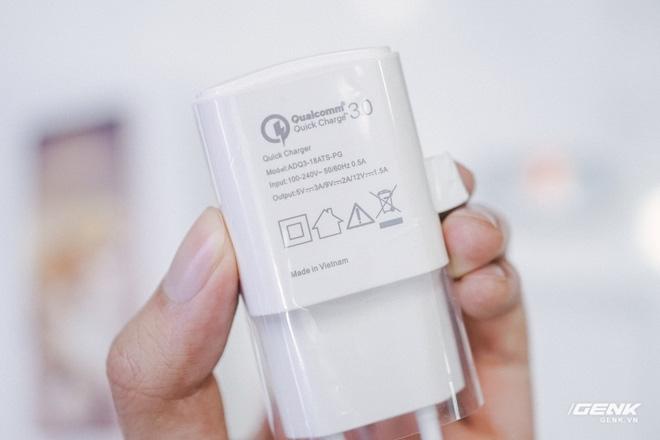 Mở hộp Bphone B86: Bên trong hộp smartphone cao cấp nhất của BKAV có gì? - Ảnh 5.