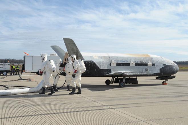 Phi thuyền siêu tối mật của quân đội Mỹ chuẩn bị cất cánh, sẽ bay liên tục quanh Trái Đất suốt 2 năm để thực hiện nhiệm vụ bí ẩn - Ảnh 3.