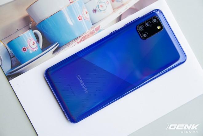 Trên tay Galaxy A31: ngoại hình chuẩn mực dòng A, 4 camera 48MP, pin 5000mAh - Ảnh 2.