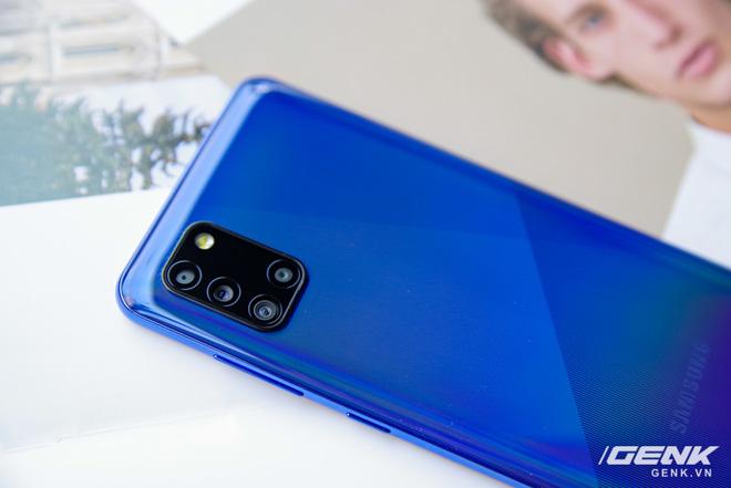 Trên tay Galaxy A31: ngoại hình chuẩn mực dòng A, 4 camera 48MP, pin 5000mAh - Ảnh 6.
