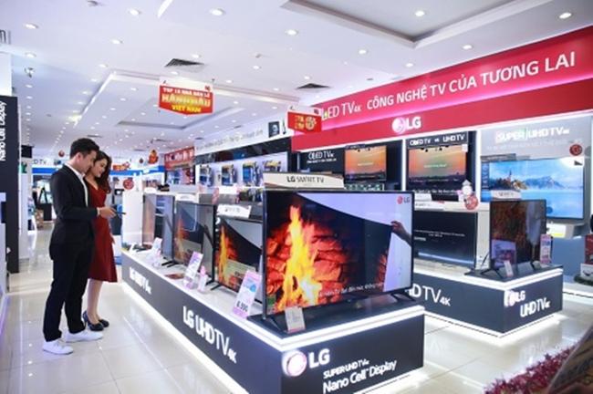 TV QLED, 4K giảm giá cực mạnh kèm thêm nhiều ưu đãi hấp dẫn trong tháng 5